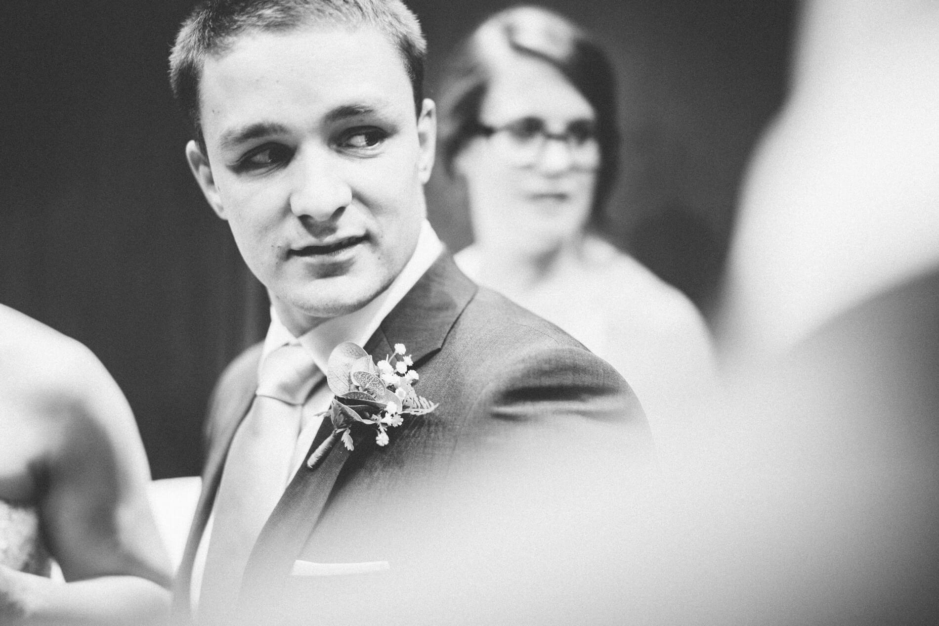 divan-jeremy-city-wedding-kyle-larson